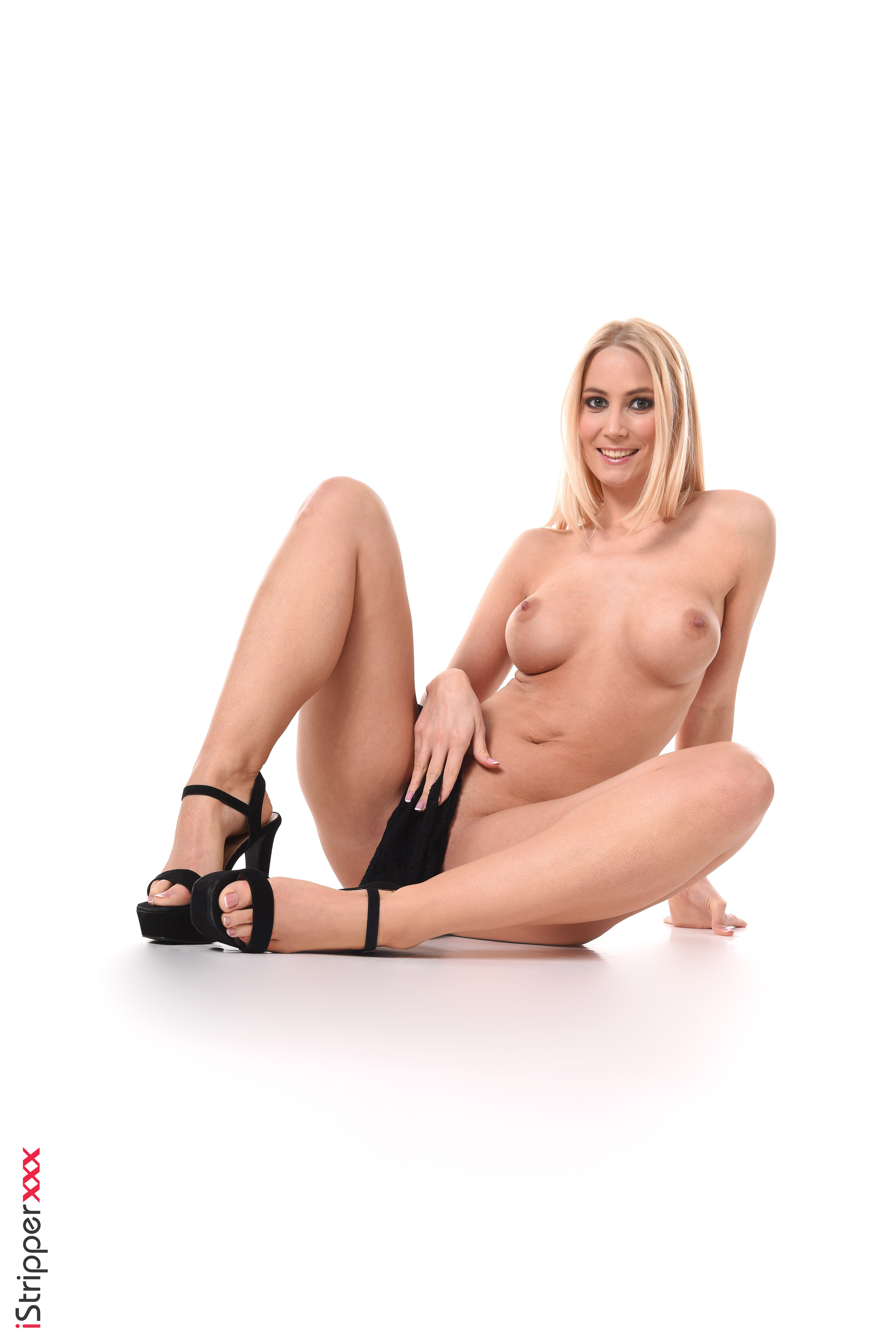 sexy naked dancing